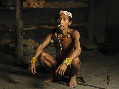 Jour3-4-et-5-rencontre-avec-les-mentawai-sur-lile-de-sumatra