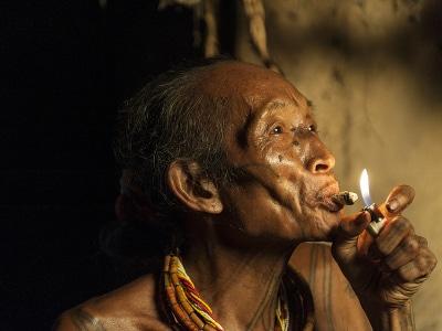 Jour2-rencontre-avec-les-mentawai-sur-lile-de-sumatra